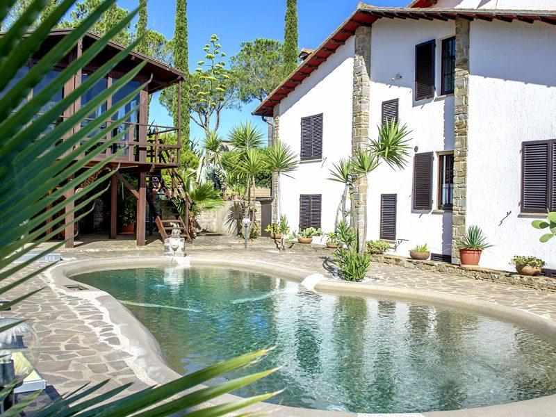 villa-a-castiglione-della-pescaia-piscina