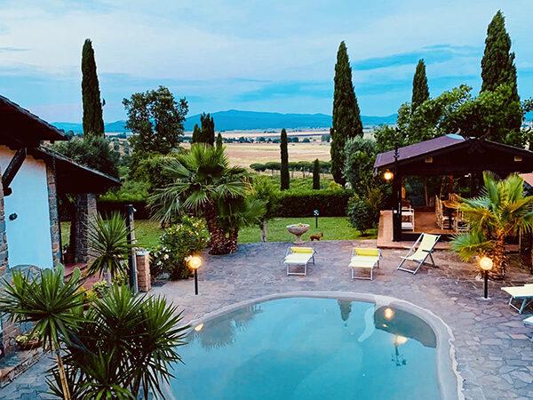 Camera Matrimoniale Deluxe vista Piscina - Villa a Castiglione della Pescaia (5)